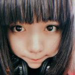 モデル池田エライザ カメラに向ける目線が魅力的な一枚